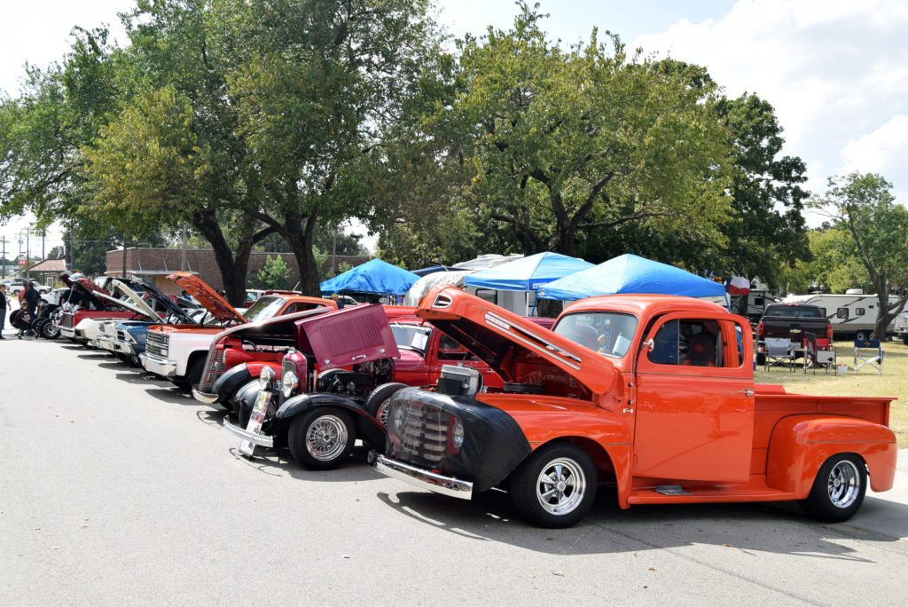 Wheels Grills Welcomes Cookers Bowie News - Nocona car show
